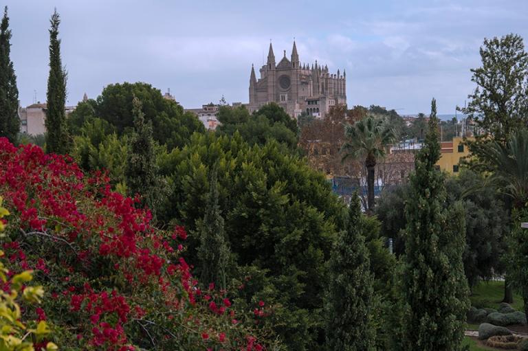 ES_171130 Espanja_0049 Palma de Mallorcan panoraamaa katedraalil