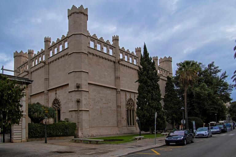 ES_171130 Espanja_0103 Palma de Mallorcan Llotja de Palma