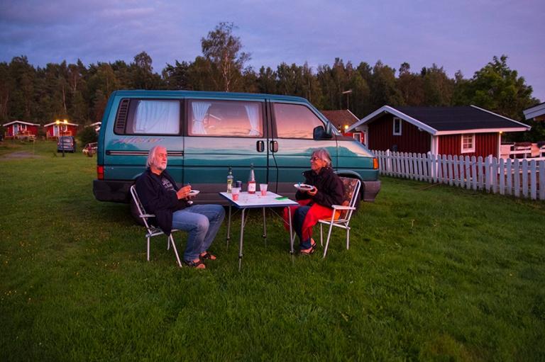 SE_170831 Ruotsi_0130 Illallinen auringonlaskussa Tanum Campingi