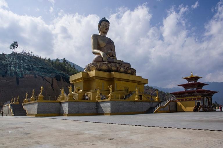BT_180316 Bhutan_0214 Thimphun Kultainen buddha