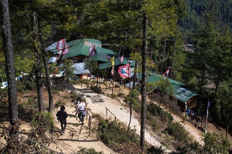 BT_180318 Bhutan_0239 Tiikerinpesän puolimatkan baari