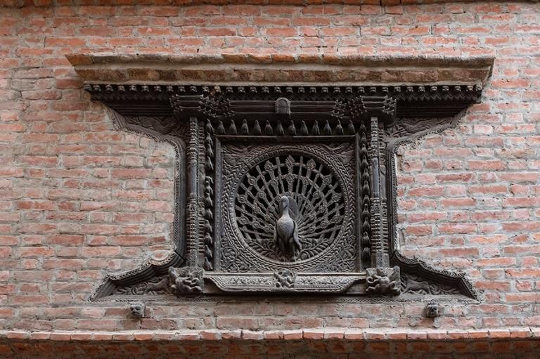NP_180315 Nepal_0645 Bhaktapurin Riikinkukkoikkuna Tachupal Tole