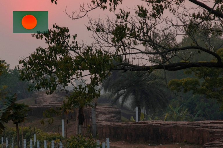 BD_180320 Bangladesh_0424 Auringonlaslu Mahasthangarhilla