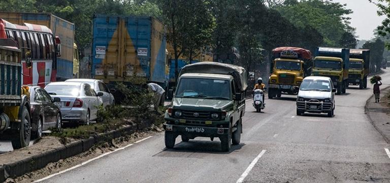 BD_180323 Bangladesh_0060 Dhakan liikenteessä väärällä kais
