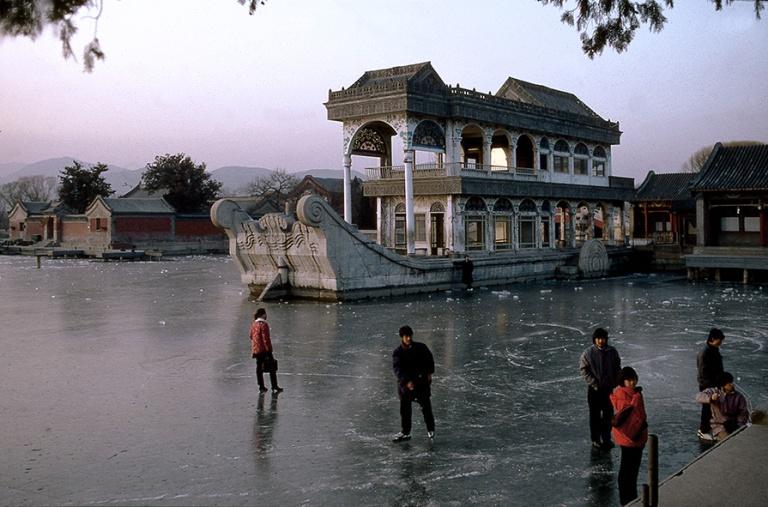 CN124810 Kiina Pekingin Kesäpalatsin marmorilaiva 1992