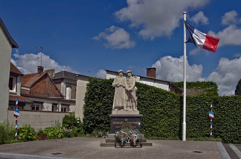 FR_120625 020 Ranska Sotamuistomerkki Domart-en-Ponthieussa Nord