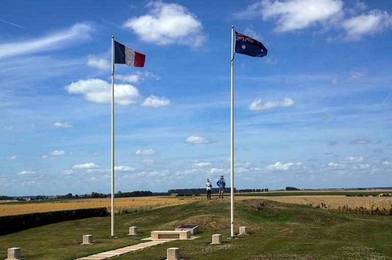 FR_150718 Ranska_0131 Australian Windmill-sotamuistomerkki Pozie