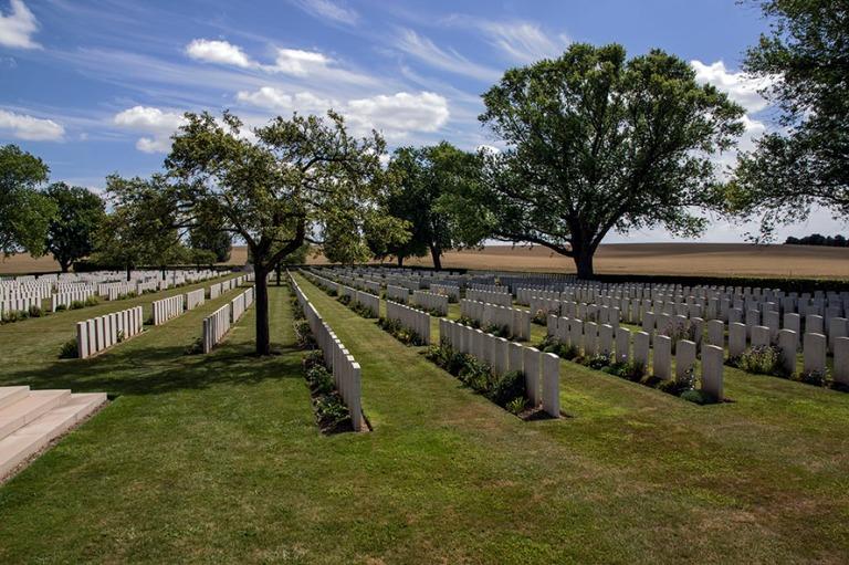 FR_150718 Ranska_0150 Warlencourt British Cemetery Pas-de-Calais