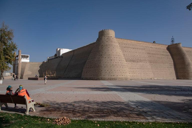 UZ_181026 Uzbekistan_0203 Buharan Arkin linnoituksen jylhät muu