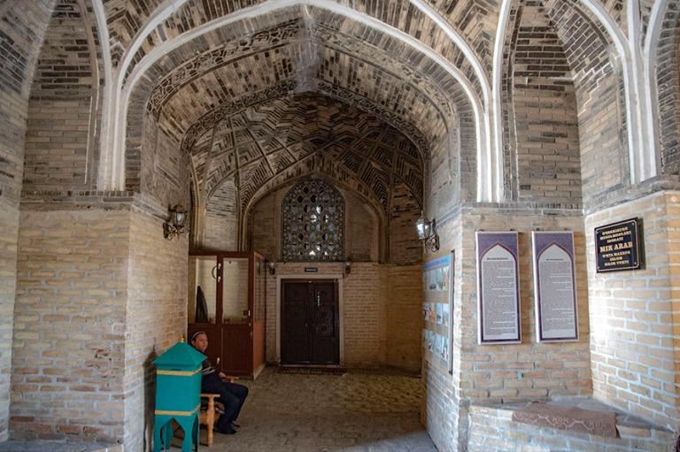 UZ_181026 Uzbekistan_0285 Buharan Mir Arab Madrasa