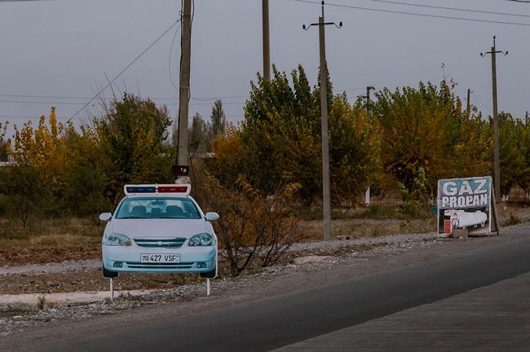 UZ_181027 Uzbekistan_0184 Liikennevalvontaa Shahrisabzin lähell