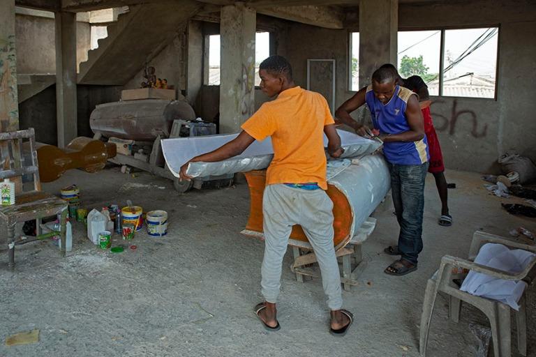 GH_190108 Ghana_0253 Ruumisarkkupaja Accran Teshiessä