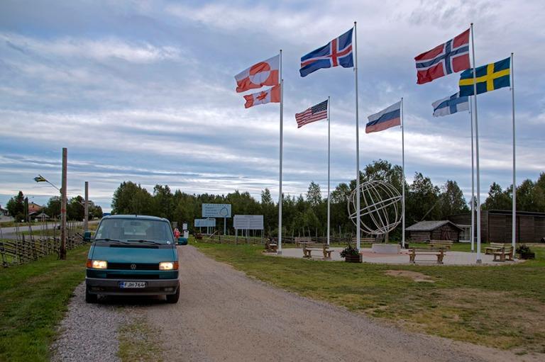 SE_180822 Ruotsi_0103 Napapiirin raja Övertorneåssa