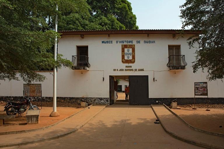 BJ_190110 Benin_0304 Ouidahin historian museo portugalilaisessa