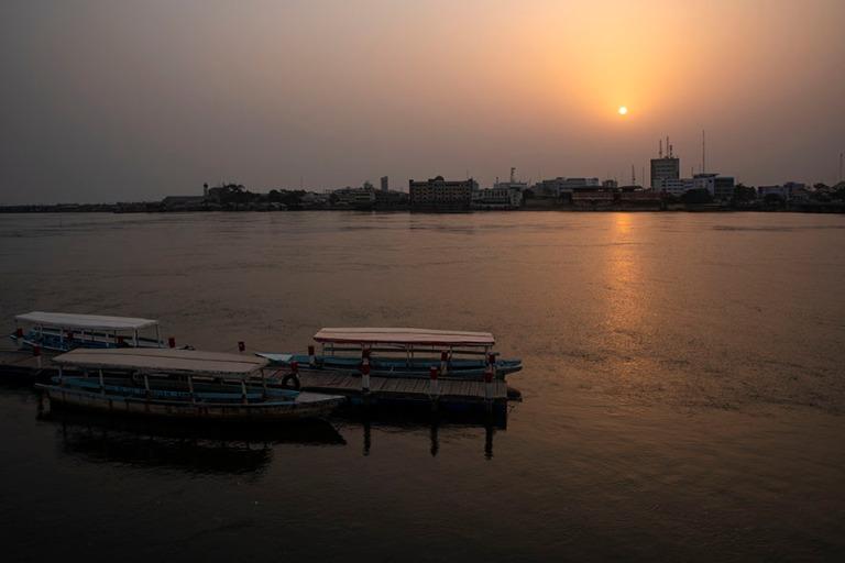 BJ_190110 Benin_0533 Auringonlasku Cotonoun Hotel du Lacilta