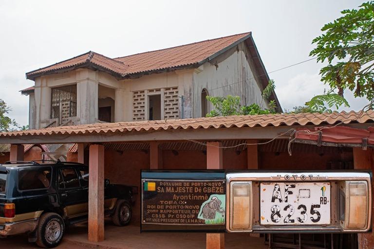 BJ_190111 Benin_0100 Porto-Novon kuningas Tofa IXn talo