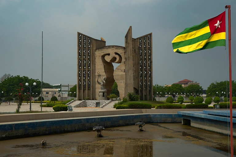 TG_190109 Togo_0192 Lomén Itsenäisyyden muistomerkki (Monument