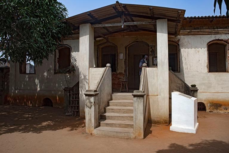 TG_190109 Togo_0255 Woodin orjatalo Lakomén korttelissa Agbodra