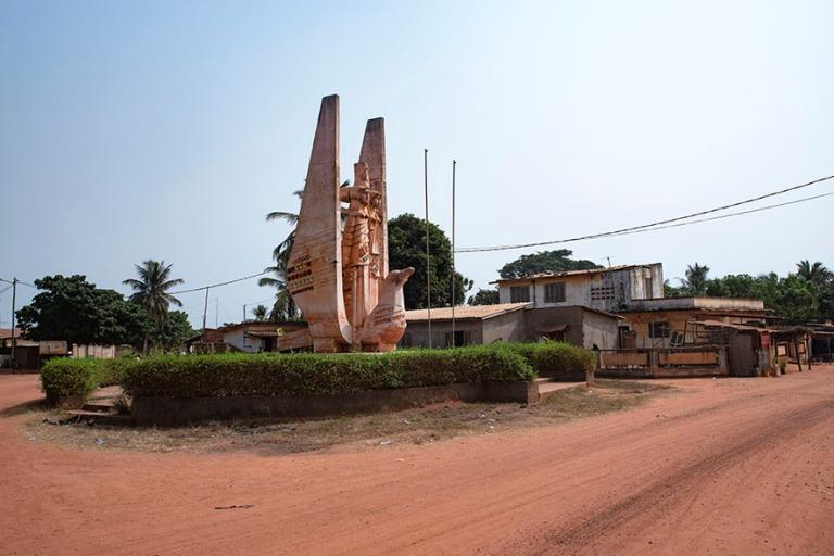 TG_190109 Togo_0377 Saksalais-togolaisen ystävyyden muistomerkk