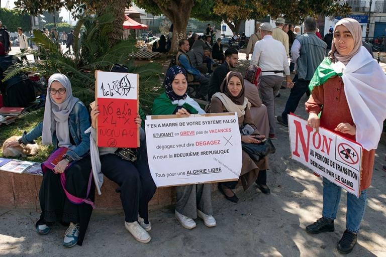 DZ_190312 Algeria_0289 Nuorison mielenosoitus Alger´n Place de