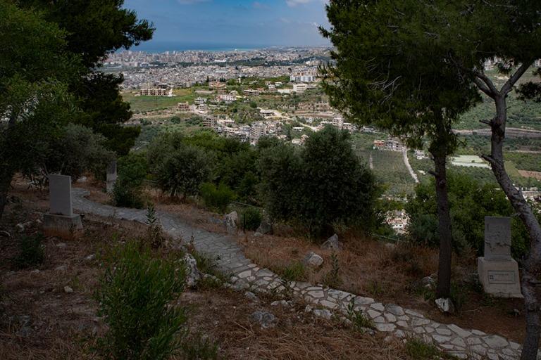 LB_190504 Libanon_0325 Maghdouchen Pyhä tie Sidonin lähellä
