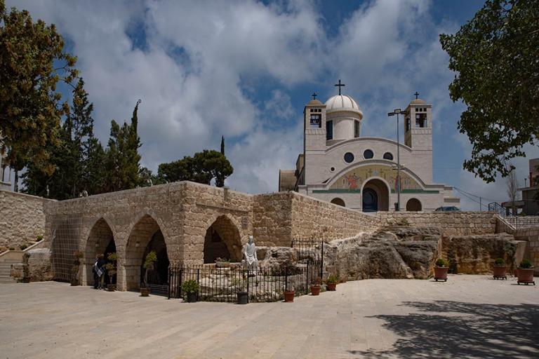 LB_190504 Libanon_0341 Maghdouchen pyhiinvaellusluola ja katedra