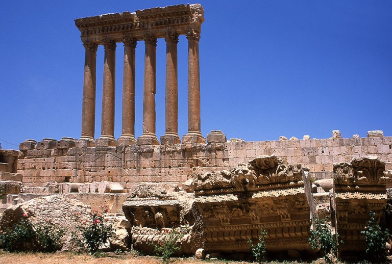 LB566735 Libanon Baalbekin Jupiterin temppeli 2004