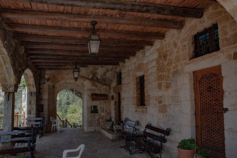 LB_190507 Libanon_0203 Gibran-museo entisessä luostarissa Bchar