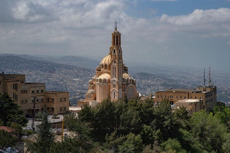 LB_190508 Libanon_0063 Harissan Pyhän Paavalin basilika Keski-L