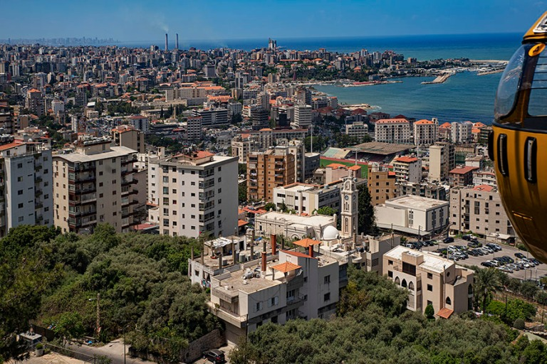 LB_190508 Libanon_0094 Jouniehin kaupunkia kaapelivaunusta Keski