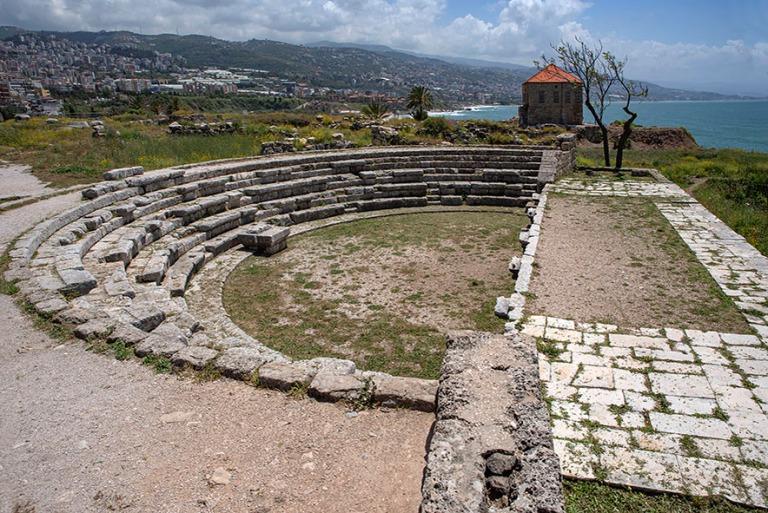 LB_190508 Libanon_0226 Bybloksen arkeologisen alueen roomalainen