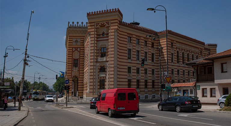 BA_190627 Bosnia-Hertsegovina_0018 Sarajevon kaupungintalo