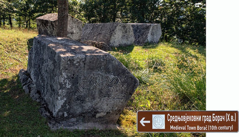 BA_190627 Bosnia-Hertsegovina_0086 Keskiaikaine Stećakit-nekrop
