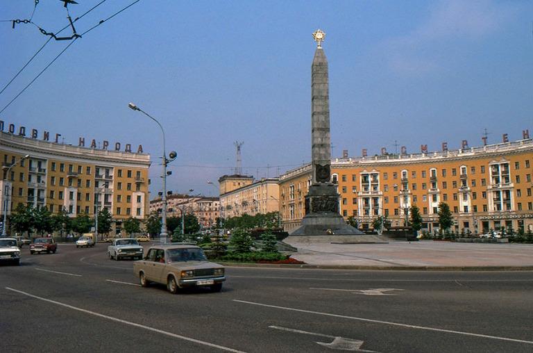BY086716 Valko-Venäjä Minskin Voiton aukio