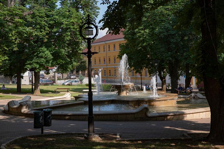 HU_190625 Unkari_0170 Pécsin Szent István tér