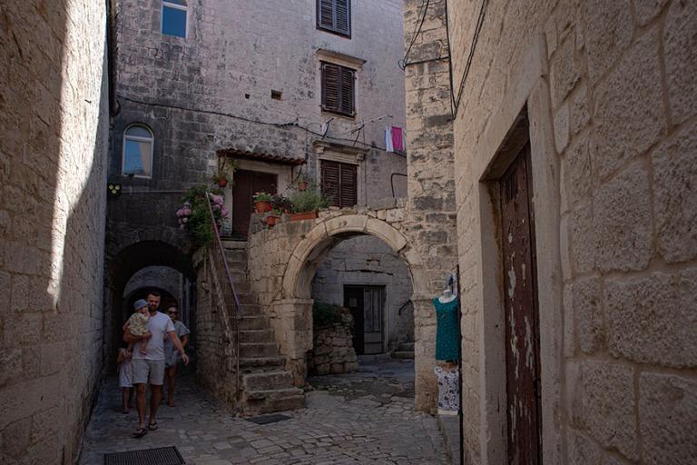 HR_190630 Kroatia_0253 Trogirin vanhaa kaupunkia Dalmatiassa
