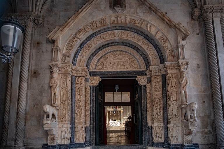 HR_190630 Kroatia_0339 Trogirin Pyhän Laurentiuksen katedraalin