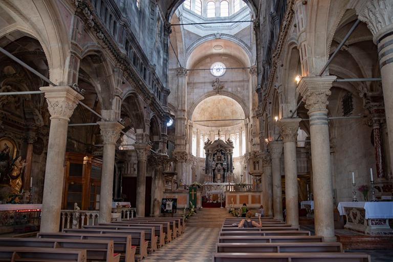 HR_190701 Kroatia_0072 Šibenikin Pyhän Jaakobin katedraalin si