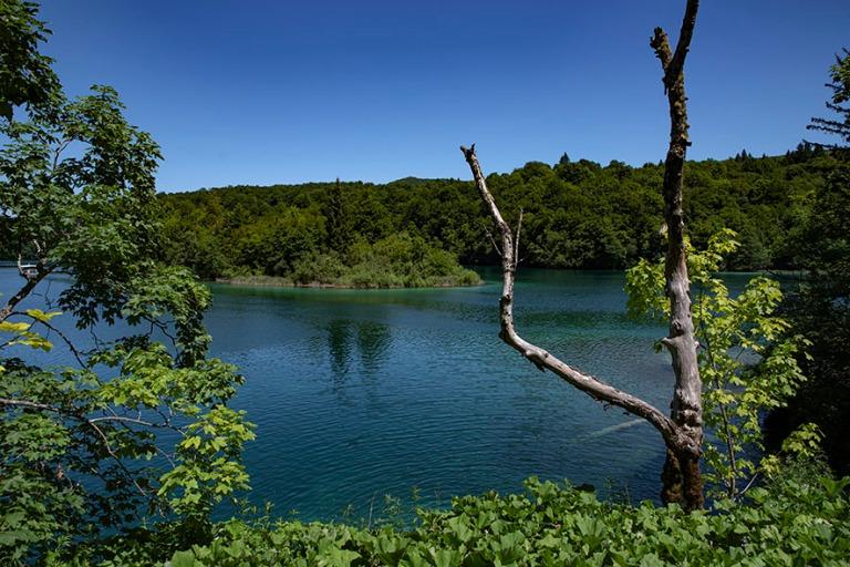 HR_190702 Kroatia_0046 Plitvicen kansallispuiston Kozjak-järvi