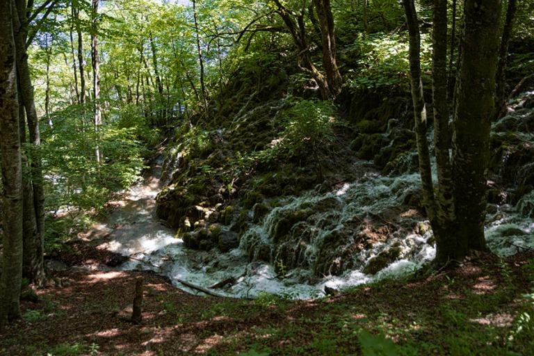 HR_190702 Kroatia_0232 Plitvicen kansallispuiston vesiputouksia