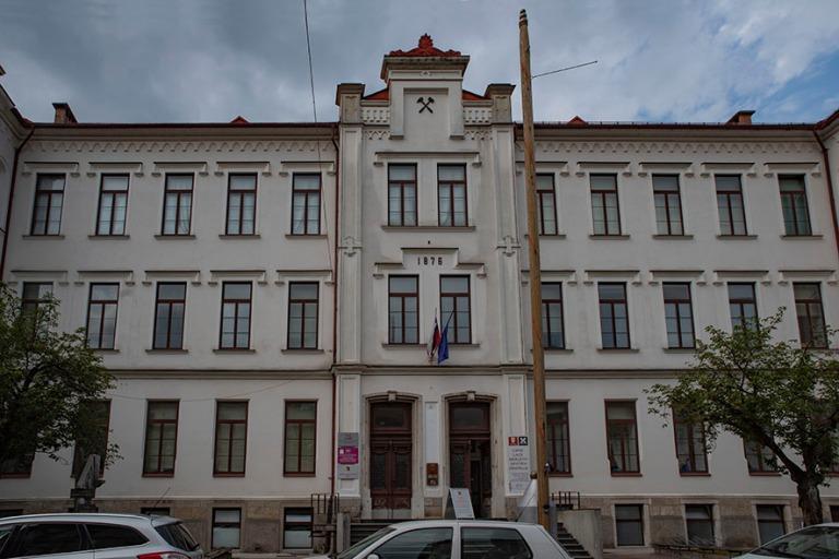 SI_190703 Slovenia_0233 Idrijan keskustaa Primorskan alueella
