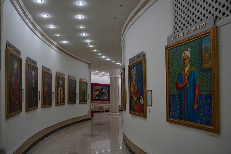 UZ_191031 Uzbekistan_0119 Taškentin Amir Temur-museo
