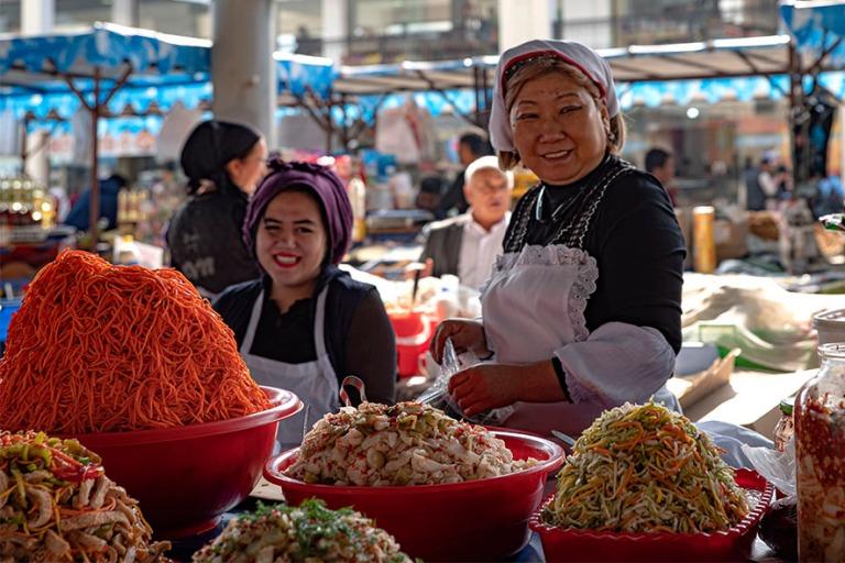 UZ_191101 Uzbekistan_0087 Andižanin Jahon Bazaar Ferganan laaks