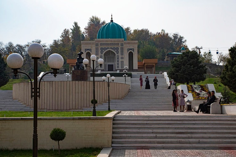 UZ_191101 Uzbekistan_0146 Andižanin Baburinpuisto Ferganan laak