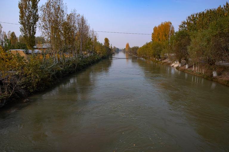 UZ_191103 Uzbekistan_0152 Suuri Ferganan kanava Risatonin pohjoi