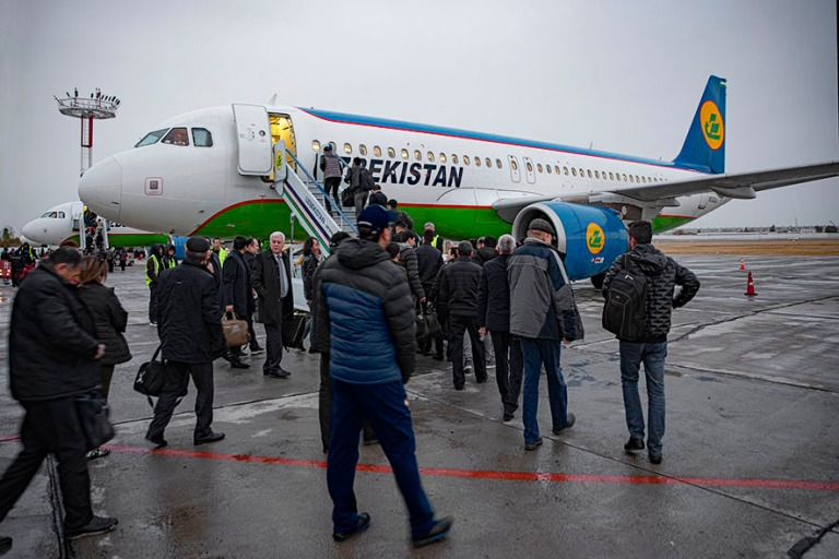 UZ_191104 Uzbekistan_0002 Uzbekistan Airwaysin Airbus A320 Tašk