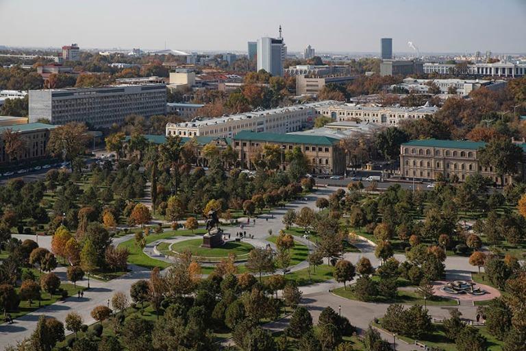 UZ_191106 Uzbekistan_0052 Taškentin panoraamaa hotelli Uzbekist