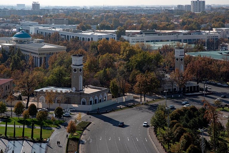 UZ_191106 Uzbekistan_0076 Taškentin panoraamaa hotelli Uzbekist