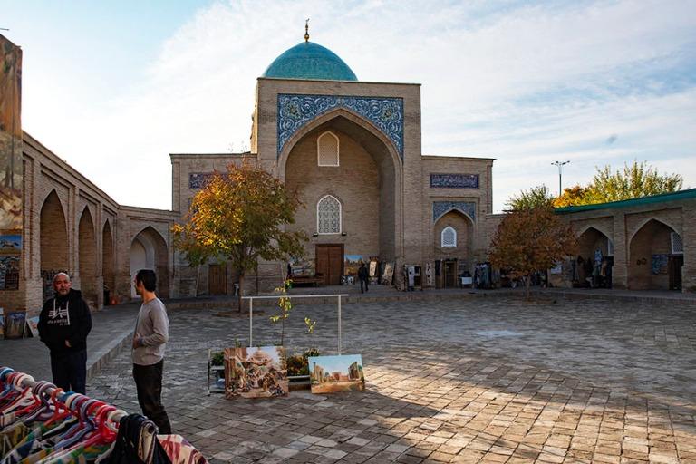 UZ_191106 Uzbekistan_0239 Taškentin Islamilaisen keskuksen Bara