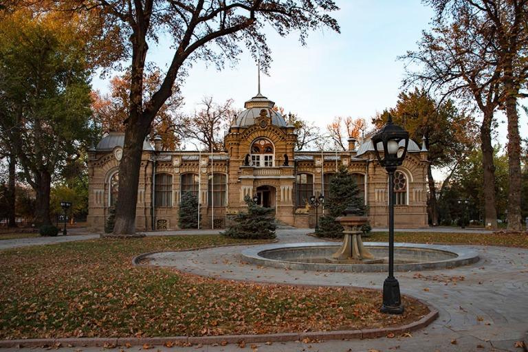 UZ_191106 Uzbekistan_0364 Taškentin Prinssi Romanovin palatsi